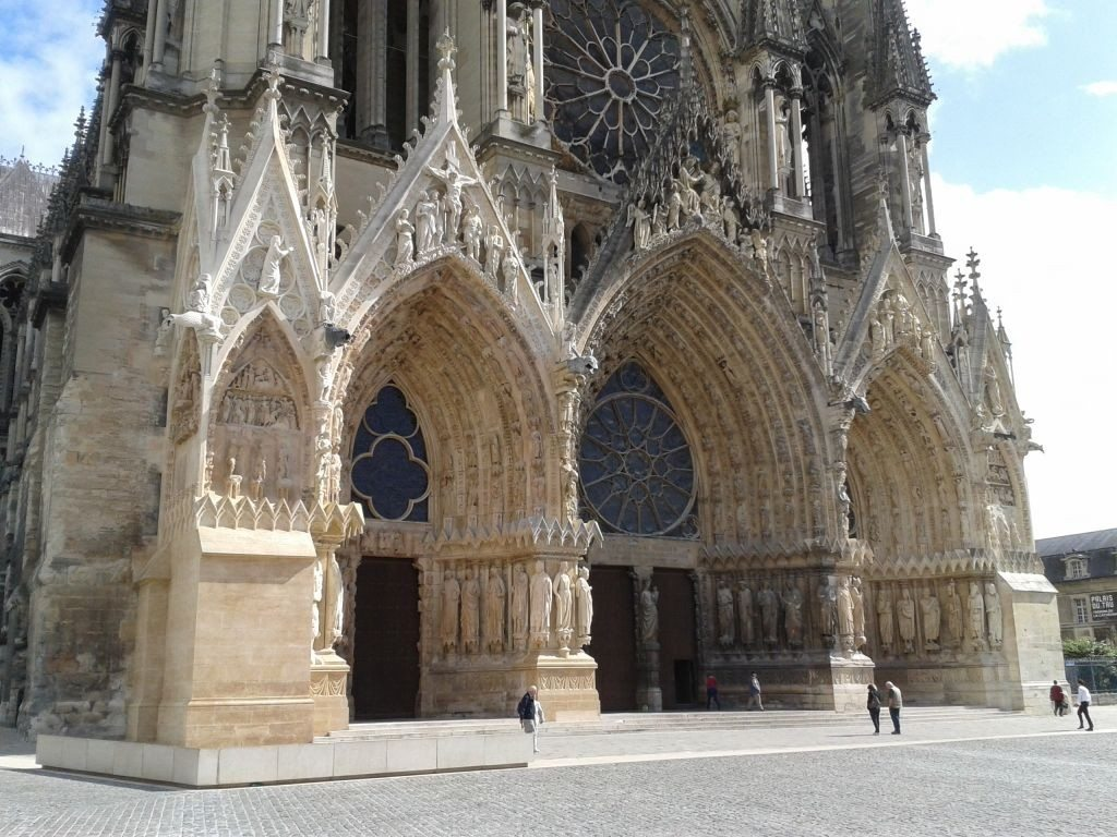 Blowing bubbles in Reims, France