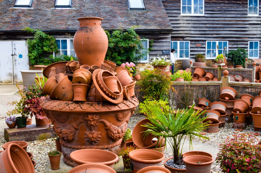 Whichford Pottery & The Straw Kitchen